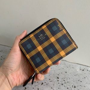 NWT COACH SMALL DOUBLE ZIP AROUND WALLET